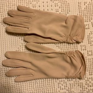 Accessories - Vintage women's dress gloves